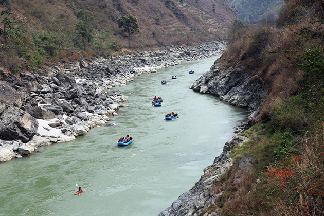 Rafting Trishuli River - family tour package in nepal
