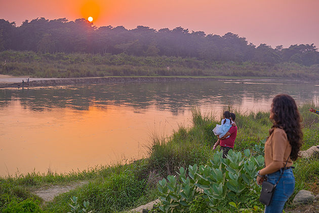 witness sunset - chitwan national park things to do