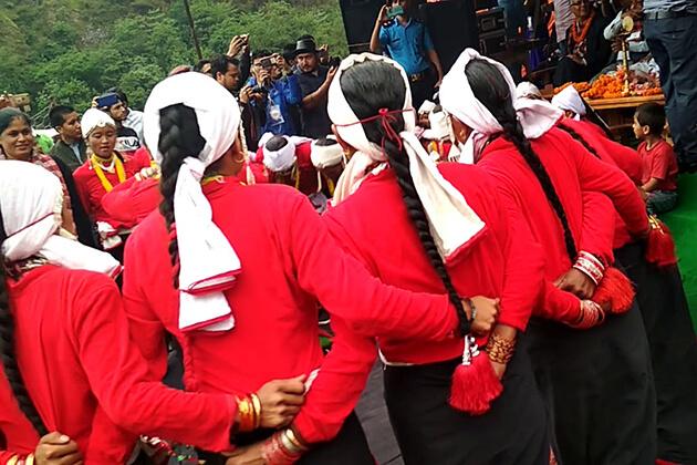 deuda naach - nepal famous dance