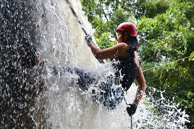 canyoning - adventure in nepal