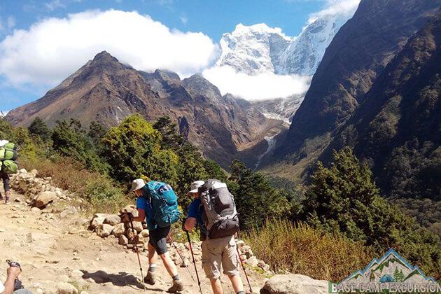 summer - nepal climate for trekking